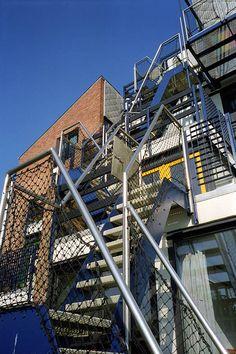 centre social, université catholique de Louvain, Woluwe-Saint-Lambert by Lucien Kroll Lucien Kroll, Ecology, Saint, Centre, Multi Story Building, Exterior, Urban, Thesis, Design
