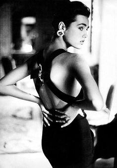 1984-85 - Karl Lagerfeld adv - Yasmin Lebon by Patrick Demarchelier