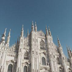 Duomo di Milano #milano #sky #duomo #architecture #igersmilano #italianlandscape #italian_trips #landscape #panorama #paesaggio #vivolecco #volgolecco