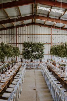 DIY barn wedding with foliage wall Rustic Wedding Decor Shed Wedding, Farm Wedding, Diy Wedding, Wedding Reception, Modern Wedding Venue, Spring Wedding, Modern Rustic Weddings, Modern Wedding Ideas, Elegant Wedding