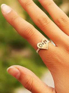 Sweetheart Initials Ring ♥- If i ever find me a sweetheart I think this would be cool to wear haha.