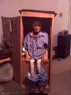 Outhouse - Homemade costumes for boys... I really need to try to convince my son that he wants this for Halloween!