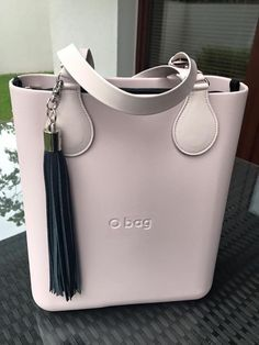 Hottest and Trendy Hand Bags for Ladies O Bag, Back Bag, Luxury Purses, Girl Bottoms, Big Bags, Fashion Bags, Leather Bag, Purses And Bags, Shoulder Bag