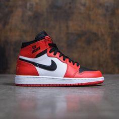 707284a1390b Jordan Big Kids Air Jordan 1 Retro High (GS) (max orange   max
