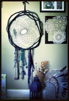 Black Vine Dream Catcher Jewelry Holder by Bentrova on Etsy, $10.00