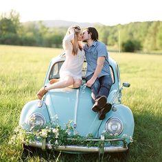 Uma história de amor contada por um fusca azul para começar a nossa segunda-feira mais feliz!:) #muitoamor { @sawyerbaird} #amolapisdenoiva