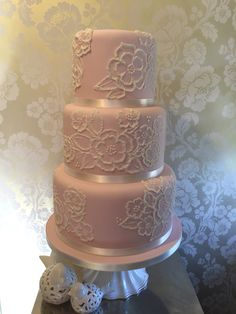 Pink wedding cake. Brush embroidery bouquets