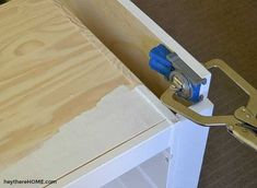 DIY twin platform bed with storage made from IKEA shelves to give you a ton of toy storage! Click through for the step-by-step tutorial. (No saw required for this IKEA hack! Twin Storage Bed, Platform Bed With Storage, Ikea Shelves, Ikea Storage, Storage Hacks, Diy Twin Bed Frame, Twin Beds, Trofast Regal, Cool Gel Mattress