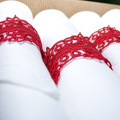 Napkin ring: lace with snap or velcro?