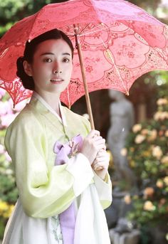 [Photo] Added new Han Hyo-joo still for the upcoming Korean movie 'Loves, Lies' Korean Traditional Dress, Traditional Fashion, Traditional Dresses, Cute Korean, Korean Girl, Korean Beauty, Asian Beauty, Women's Beauty, Bh Entertainment