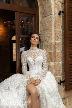 Ida Torez 2020 Fall Bridal Collection – The FashionBrides Wedding Dress Trends, Designer Wedding Dresses, Bridal Dresses, Bridesmaid Dresses, Gown Wedding, Beautiful Bride, Beautiful Dresses, Gorgeous Dress, Wedding Tiara Hairstyles