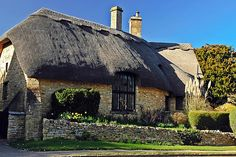 Thatched Roof Cottage © Elvis Vaughn