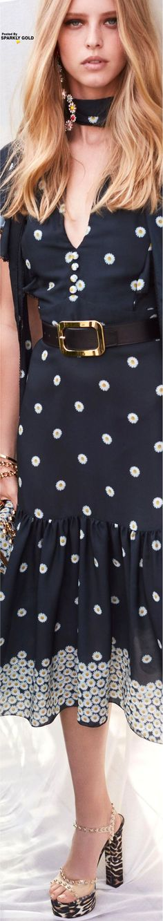 Elie Saab Resort 2019 Elie Saab, Moda Floral, Glamour Magazine, Ermanno Scervino, Floral Fashion, Cynthia Rowley, Daily Look, Fashion Labels, Carolina Herrera