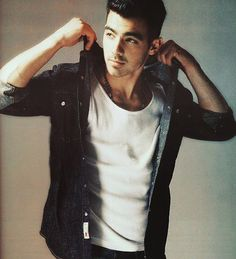 joe jonas..... I use to be totally I love with him..lol he's still not too shabby