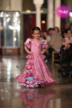 es - VIVA by We Love Flamenco 2018 - Antonio Serrano y Juana Chaves Spanish Dress, Spanish Fashion, Kurta Designs Women, Diwali Decorations, Dance Costumes, Kids Wear, Traditional Outfits, Frocks, Baby Dress