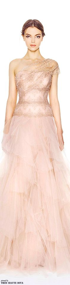 Love this blush pink dress! An absolute favorite of mine! Wedding dress by Marchesa Pre-Fall 2014 Beautiful Gowns, Beautiful Outfits, Gorgeous Dress, Beautiful Eyes, Traje Black Tie, Evening Dresses, Prom Dresses, Mode Glamour, Mode Vintage
