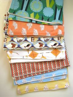 Burp cloths - free tutorial on Made by Rae. Very helpful and a great way to recycle or upcycle old tee shirts or fabrics.