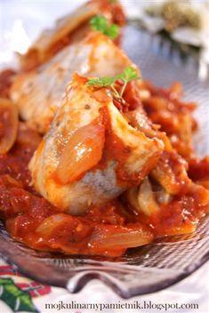 Filety śledziowe po kaszubsku | Bernika - mój kulinarny pamiętnik Calzone, Baked Salmon, Seafood, Curry, Food And Drink, Menu, Chicken, Baking, Ethnic Recipes