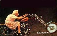 Resultado de imagem para motoqueira