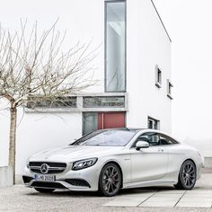 We took this photo in the middle of the summer. The leaves just ran when they heard the car.   #S63 #AMG #SCoupe #Coupe #mercedes #benz #instacar #4MATIC