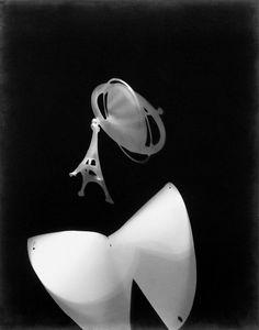 Laszlo Moholy-Nagy, Photogram with Eiffel Tower [Fotogram mit Eiffelturm], 1925-29, Gelatin-silver print of photogram