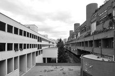 """Complesso residenziale """"Monte Amiata"""" nel quartiere #Gallaratese 2 - #Milano 1967-72: Carlo Aymonimo, Aldo Rossi."""