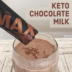 Keto OS Swiss Cacao Max has an amazingly rich chocolate flavor that you can easily turn into a chocolate milk recipe! A refreshing glass of ketones!