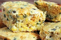 Cheesy Jalapeño Cornbread - Chiles, corn, and low-fat cheese, make this a flavorful, healthy recipe with the wholesome goodness of stone ground cornmeal. Great with chili & soup. Jalapeno Cornbread, Homemade Cornbread, Mexican Cornbread, Bread Recipes, Cooking Recipes, Cornmeal Recipes, Yummy Recipes, Low Fat Cheese, Tasty