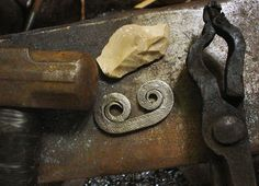 Forging a simple flint & steel striker in Tutorial Section Forum