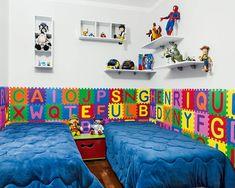decoração quarto meninos Disney Rooms, Beach Mat, Outdoor Blanket, Baby Boy, Kids Rugs, Wallpaper, Home Decor, Gabriel, Elba