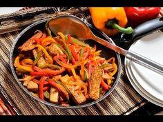 Fajitas de tofú. @Saludable platillo @vegetariano que se puede servir en tacos o sobre tostadas.