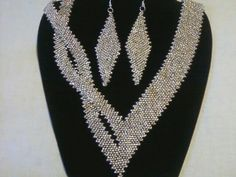 Sliver glass seed bead diagonal peyote stitch with a twist!