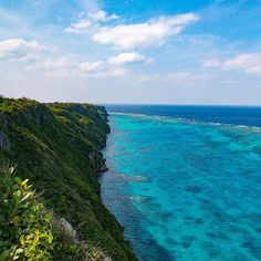 【mojiwo】さんのInstagramをピンしています。 《あの日はセンサーが汚れてた… #過去振り返り 2015.2 #沖縄 #離島 #伊良部島 #絶景 #ベタ #海 #島 #空 #カコソラ #カコウミ #写真好きな人と繋がりたい #pasttime #Okinawa  #irabujima #island #sea #sky #miyako #view #superbview #nikon》