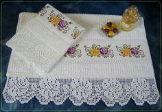 Toallas Crochet Borders, Filet Crochet, Knit Crochet, Crochet Patterns, Hand Embroidery, Machine Embroidery, Cross Stitch Boarders, Soft Towels, Crochet Home