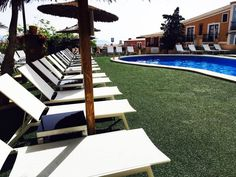 ¡Llegamos con novedades! Queremos lo mejor para ti, relájate en nuestras cómodas y bonitas hamacas😎😎 Repetirás🔁 #PuebloAcantilado #ElCampello #PisicinaAcantilada #ResortAcantilado