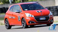 Peugeot Driving Experience: Test in pista 208 GTi, un'esperienza da non perdere! http://www.italiaonroad.it/2015/10/06/peugeot-driving-experience-test-in-pista-208-gti-unesperienza-da-non-perdere/