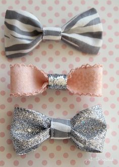 Easy Hair Bows - so simple to make and they only take a few minutes - use fabric, ribbon, leather, whatever material you'd like!