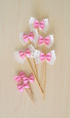 Ecco il link con il tutorial per realizzare dei romantici cupcake toppers. Vi…