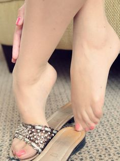 Can pantyhose and flip flops fetish