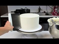 Masterclass: How to Decorate a Layer Cake with Smooth Buttercream Icing | Cupcake Jemma - YouTube