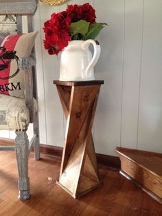 Diy twisty side table! For more great DIY projects visit http://www.handymantips.org/category/diy-projects/