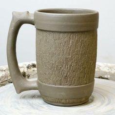 Ceramics Pottery Ideas Inspiration on April 2017 Pottery Kiln, Pottery Mugs, Ceramic Pottery, Ceramic Cups, Ceramic Art, Ceramic Texture, Clay Texture, Pottery Designs, Pottery Ideas