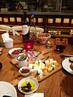 wine and cheese- kauf, istanbul Istanbul, Table Settings, Cheese, Wine, Design, Style, Swag, Place Settings