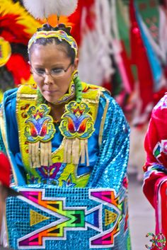 2013 Gathering of Nations PowWow Photos - Derek Mathews