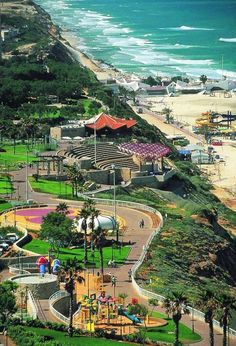 eretzyisrael:  Boker Tov - beautiful coast of Netanya, Israel