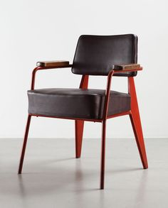 Direction N° 352 office chair, 1951 Bent sheet steel, steel tube, leather and wood Collection Laurence and Patrick Seguin © Galerie Patrick Seguin