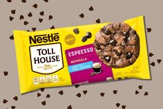 Nestlé Toll House now has espresso morsels that are going to change the game if you love adding a touch of coffee Fudge, Chocolate Protein Smoothie, Chocolate Covered Espresso Beans, Coffee Cookies, Baked Chips, Coffee Tasting, Cookies Et Biscuits, Chocolate Chip Cookies, Chocolate Chips