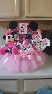Minnie Mouse Easter Gift Basket Made By Norma Unique Gift Baskets - Modernes Baby Girl Gift Baskets, Baby Shower Gift Basket, Easter Gift Baskets, Baby Girl Gifts, Shower Gifts, Birthday Gifts For Girls, Gifts For Kids, Mickey Mouse Gifts, Minnie Mouse Baby Shower