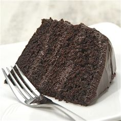 Fudge Cake - must remember this for the hubby's choco-addiction