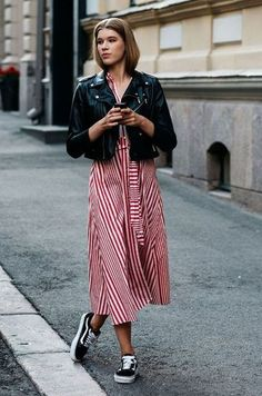 The coolest looks of the Scandinavian Fashion Weeks - Skandi Outfit inspiration - Street Style Vintage, Look Street Style, Street Style Summer, Street Styles, Cool Street Fashion, Look Fashion, Fashion Outfits, Fashion Trends, Dress Fashion